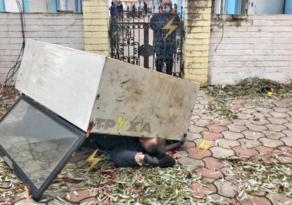 Около рынка на Героев труда человек погиб под холодильником